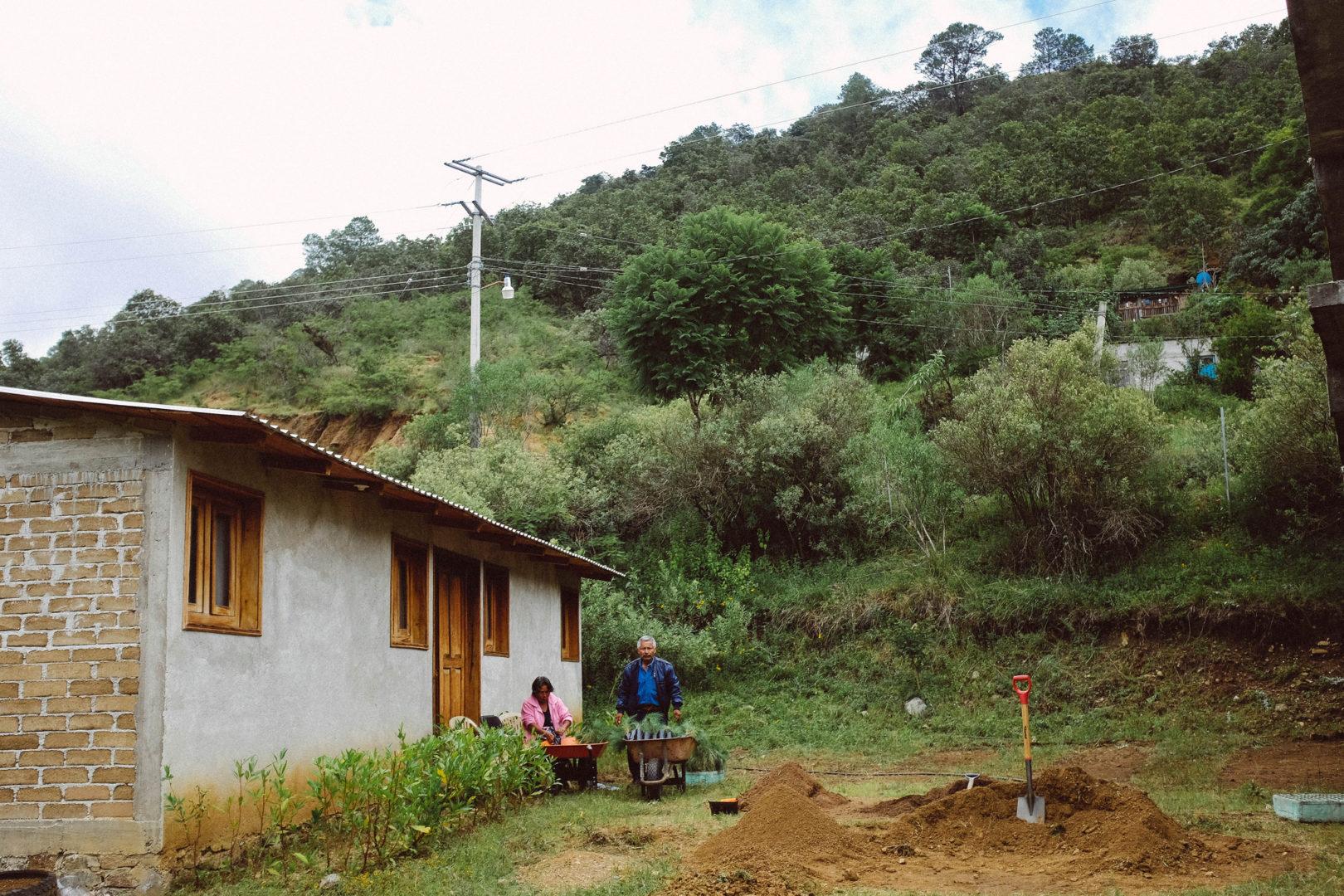 The community of La Paz prepares for graduation