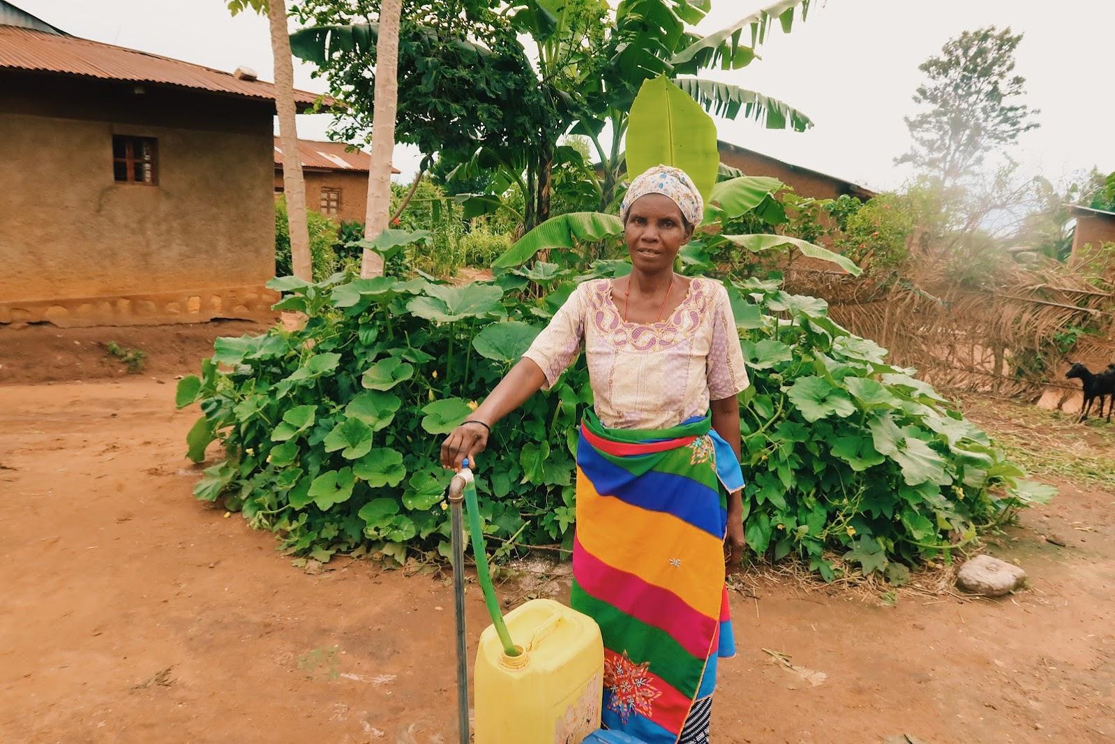 Yahira Gets Water in Burundi
